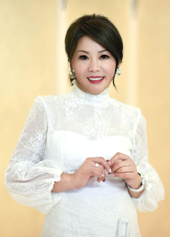 總裁-陳瑰鶯博士
